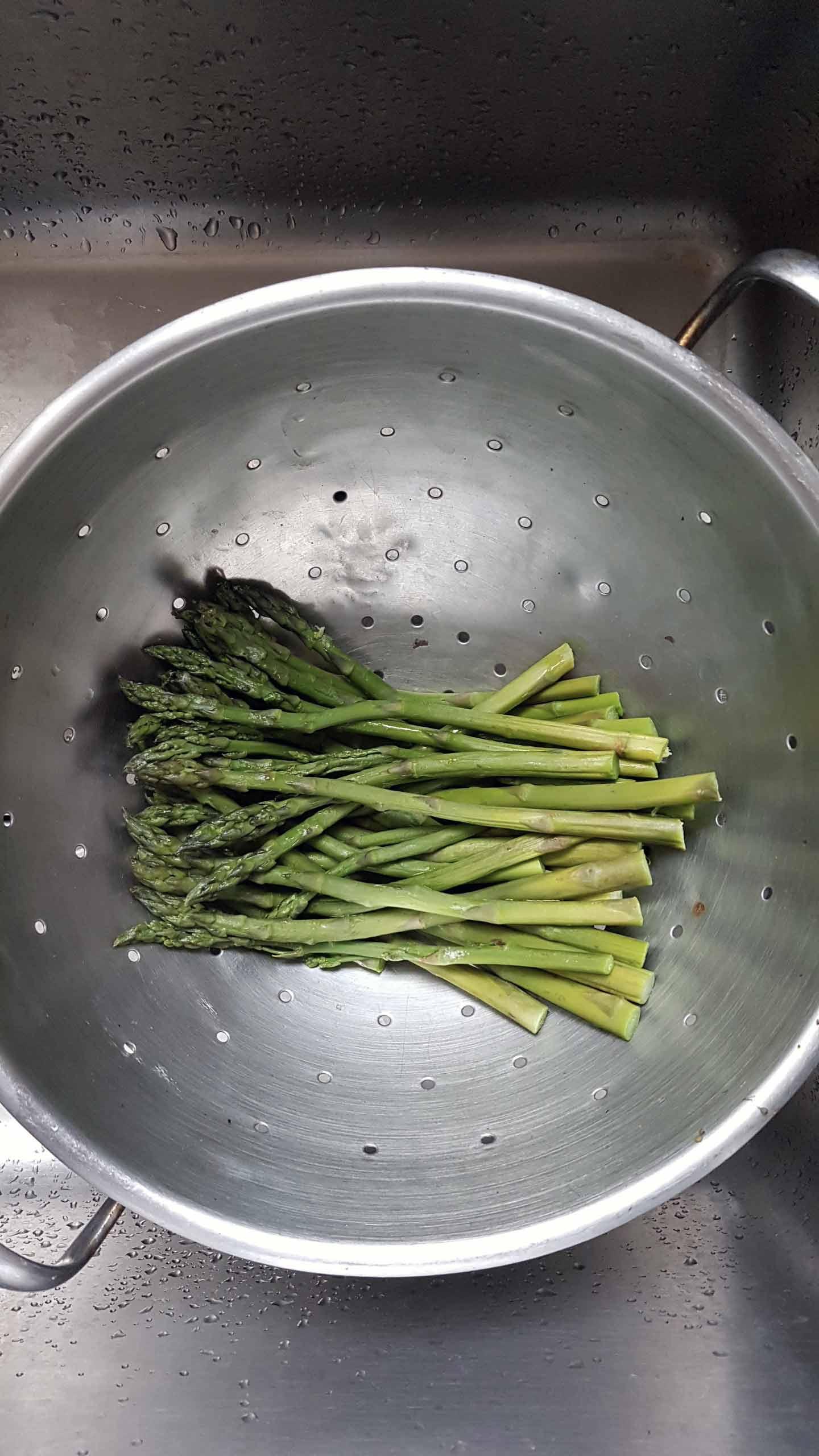 asparagi-nello-scolapasta