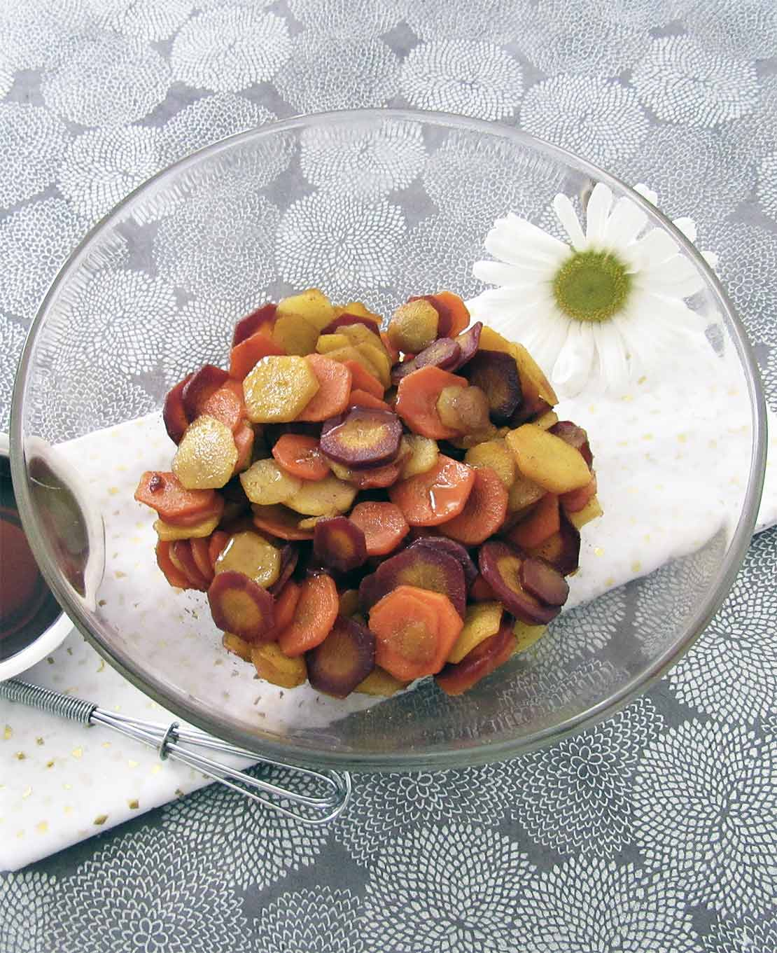 carote-al-cuimo-e-maple-nella-ciotola
